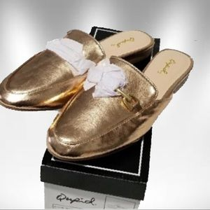 NWT Rose gold loafer flat